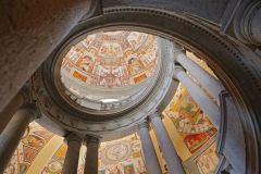 Caprarola - scalinata del palazzo Farnese
