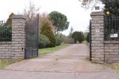 a) il cancello